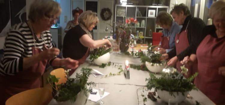 """Weihnachtsfeier mal anders… Kreativworkshop """"Weihnachtsdekoration mit Wachsschalen"""""""